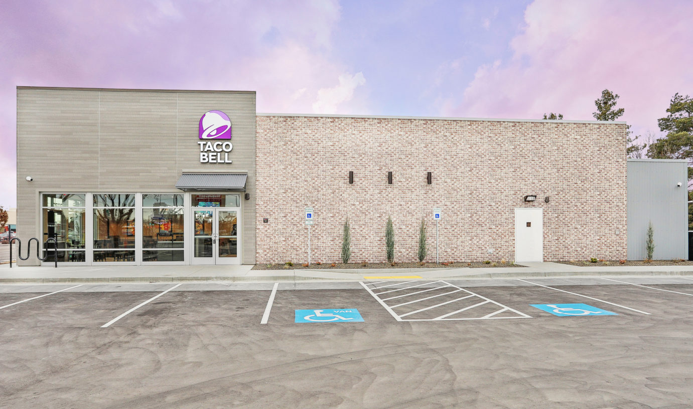 Side view of Taco Bell
